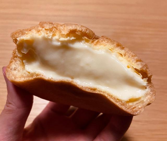 梅屋のシュークリーム