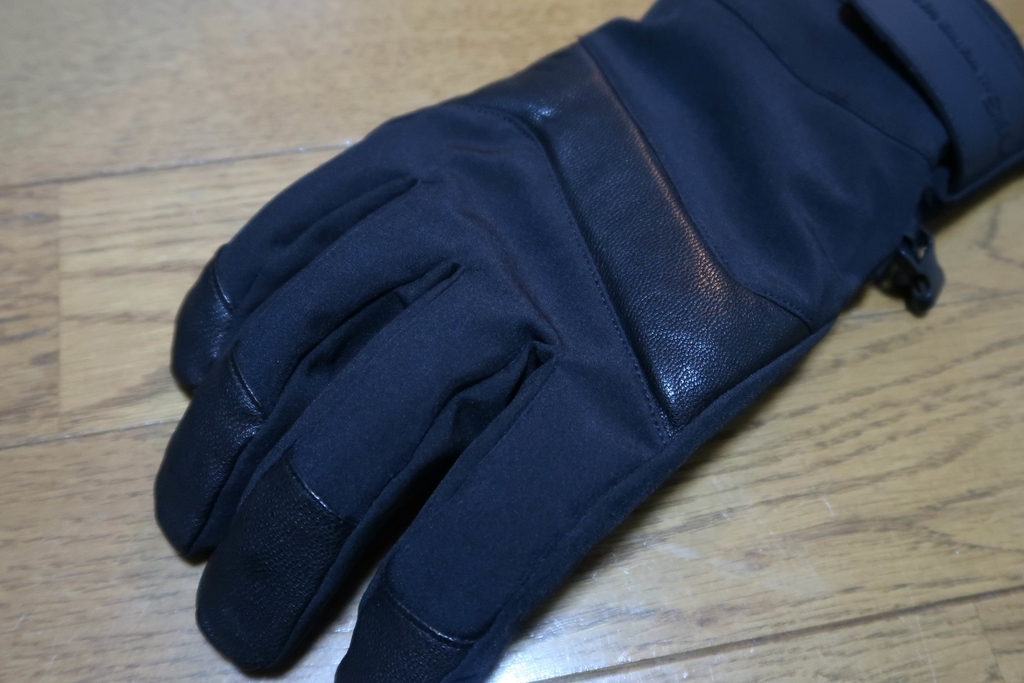 1900円で買える暖かさ ワークマンのイージスwarm leather防水防寒手袋
