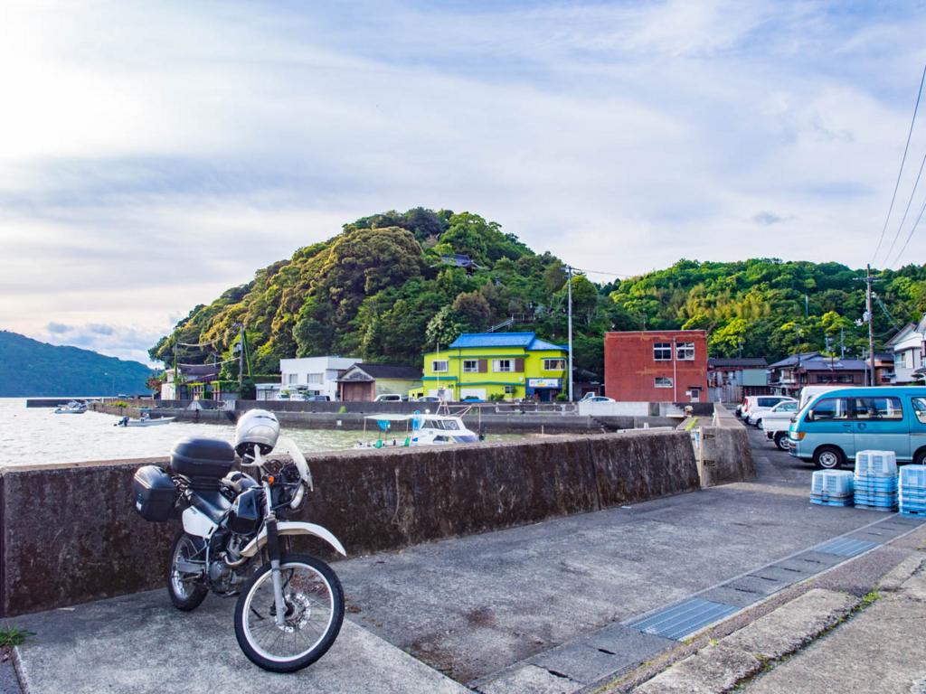 小筑紫七日島の漁港付近