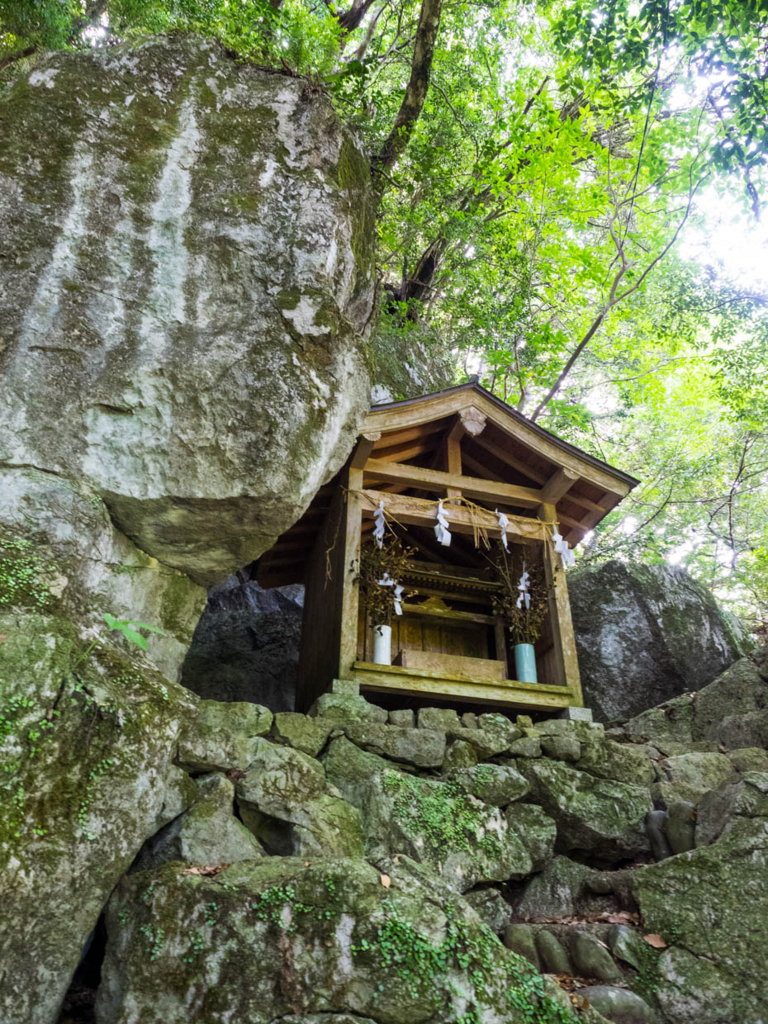 幡多十景・西土佐の金毘羅山(本殿奥の社)