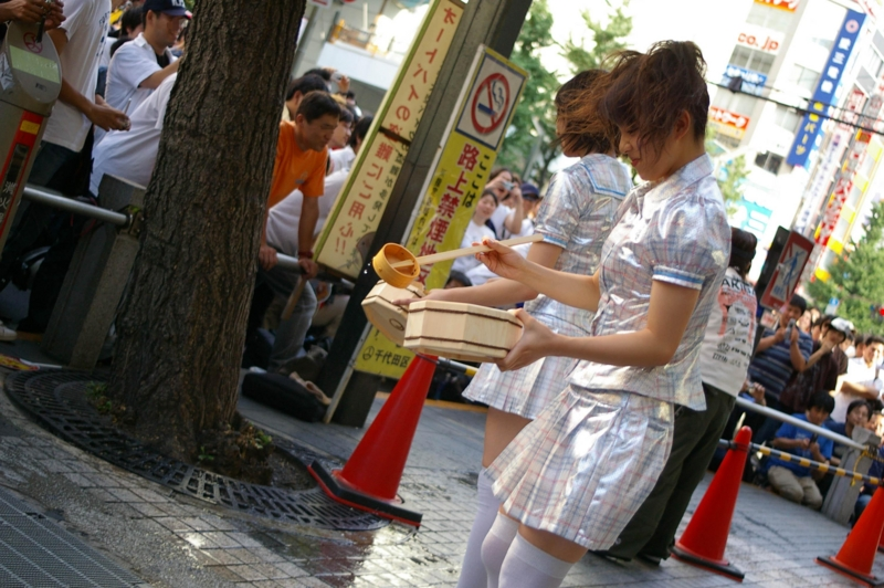 2005年08月07日 秋葉原 ぱふゅーむ×DJ momo-i 桜花一門 (VR師匠) @oukaichimon