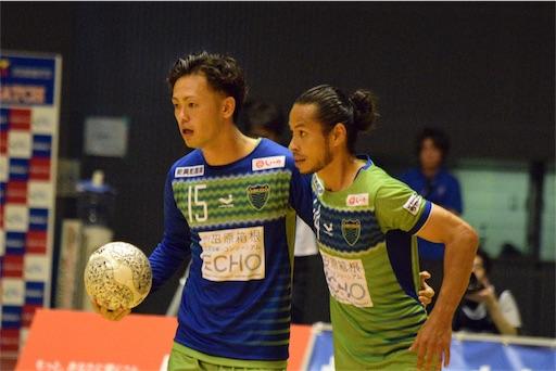 パワープレーを始めた湘南は15.鍛代のゴールで1点を返す