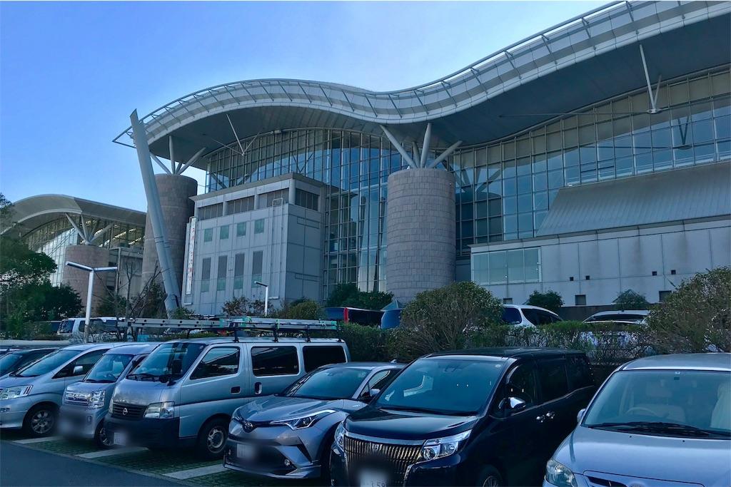 浦安市運動公園総合体育館の駐車場