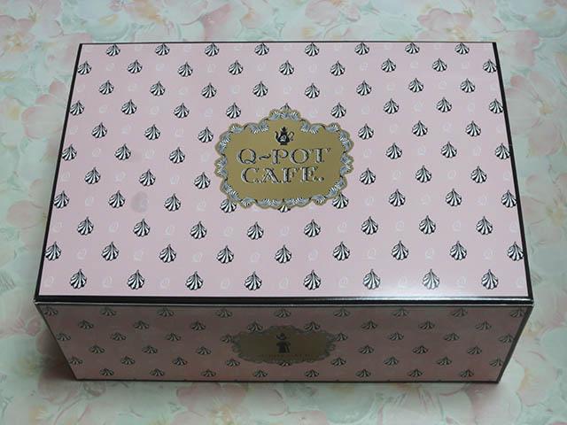 Q-pot CAFE. Special Cake Box - Box