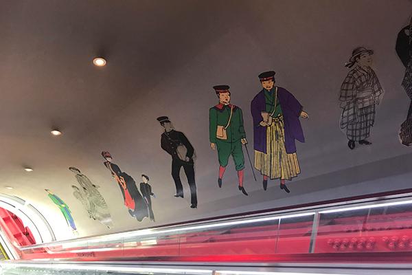 江戸東京博物館 エスカレーター 景色