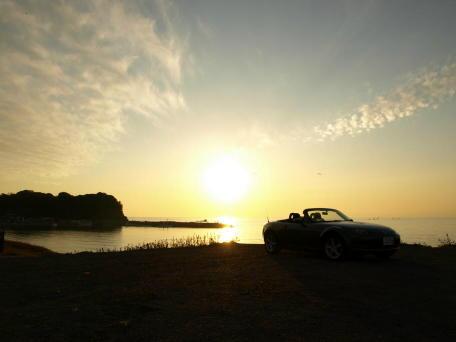 夕日を背にしたNC