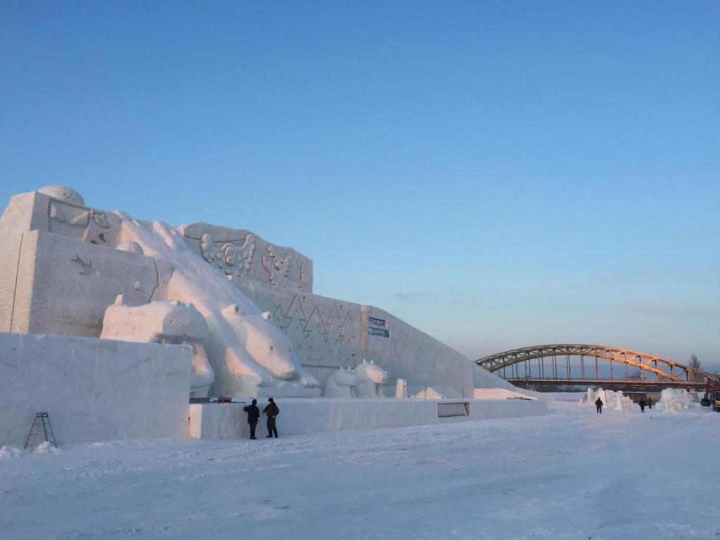 2017旭川冬まつり 大雪像「夢の動物園」