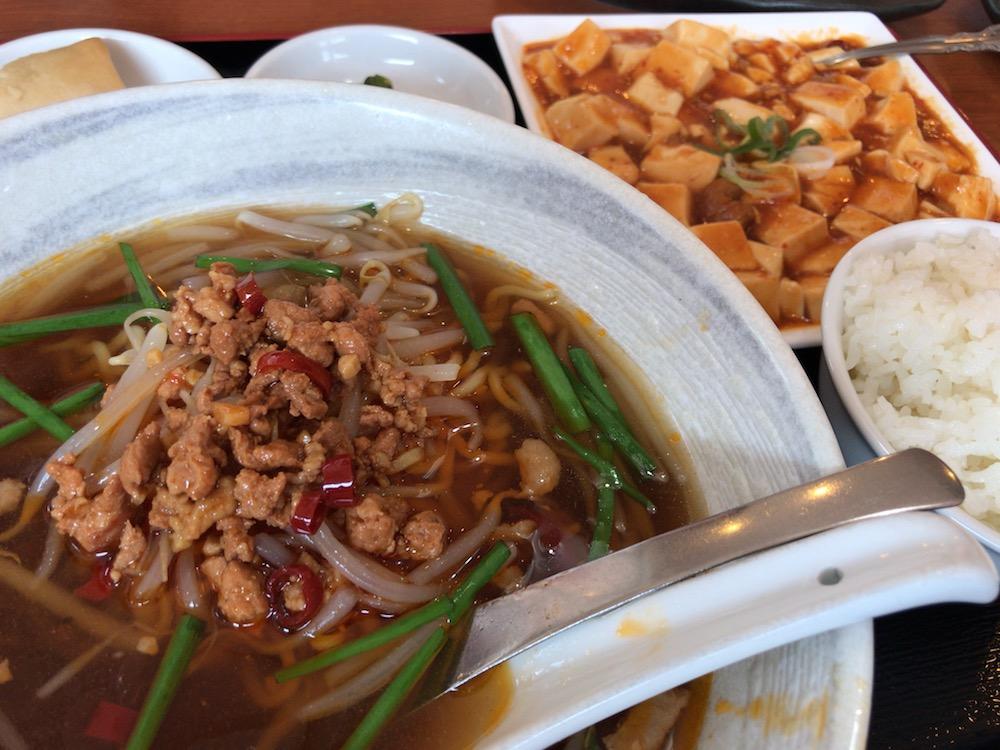 中華料理 萬福 台湾ラーメンと麻婆豆腐ランチ