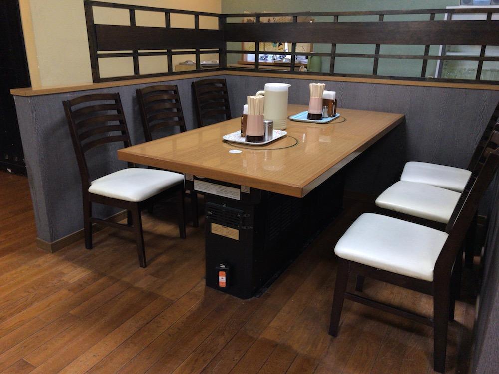 幸陽閣 6人掛けテーブル