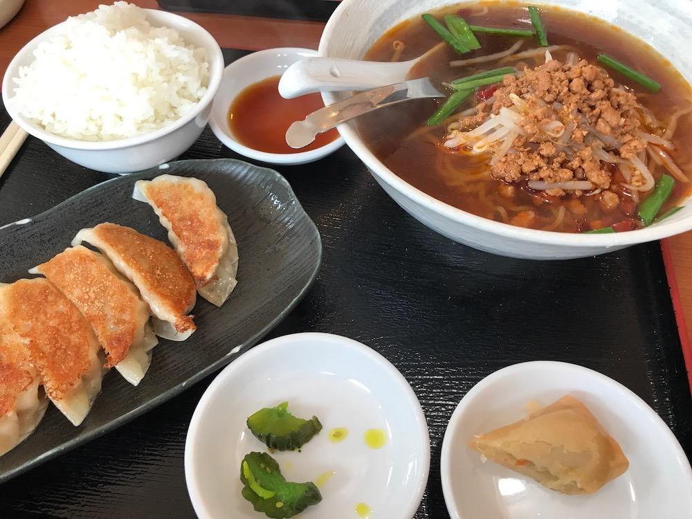 中華料理 萬福 ランチ 台湾ラーメンと餃子