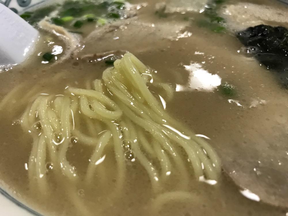 幸陽閣 ラーメン 麺