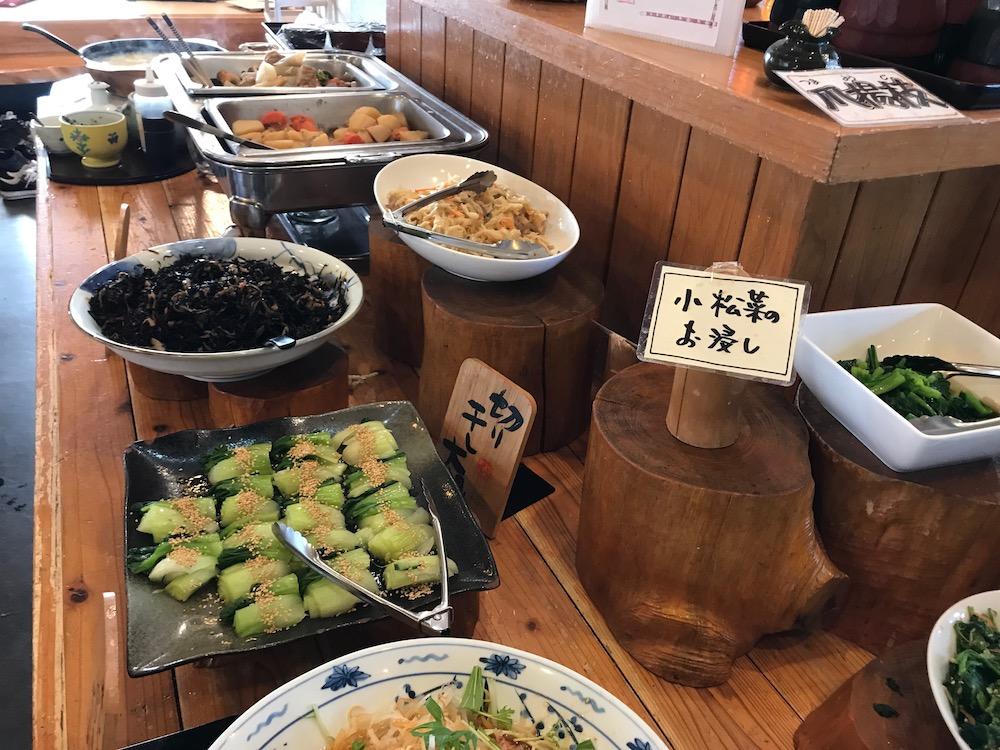 旬彩料理バイキングくう野菜関係