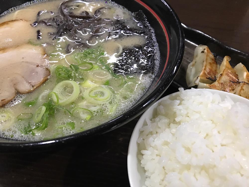 久留米ラーメン金ちゃん ギョーザセット