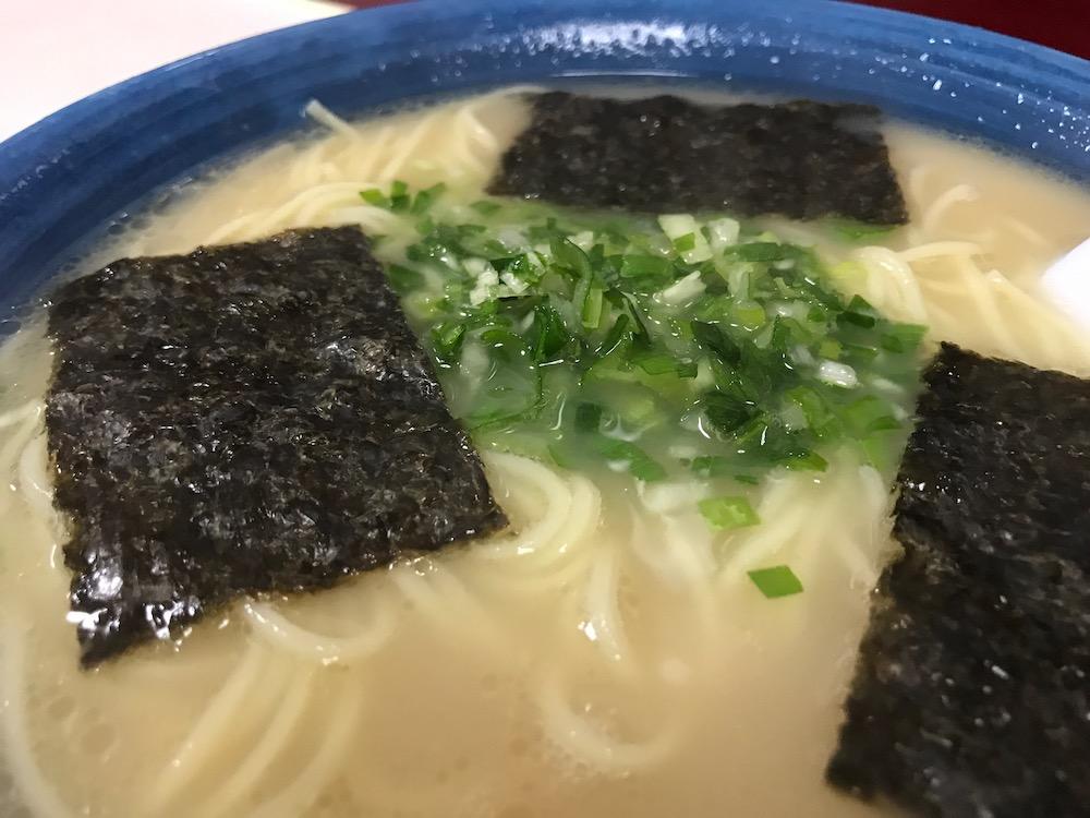 駅前ラーメン ビック・ワン ヤングラーメン390円