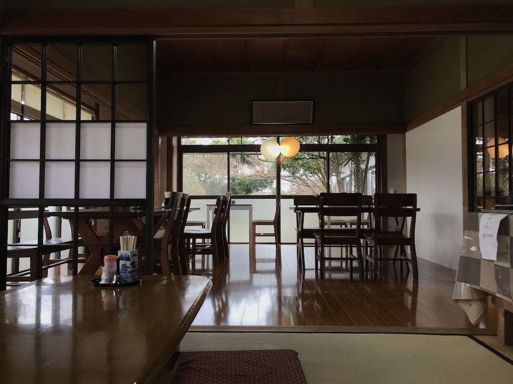 武雄創作麺 無庵 店内リニューアル