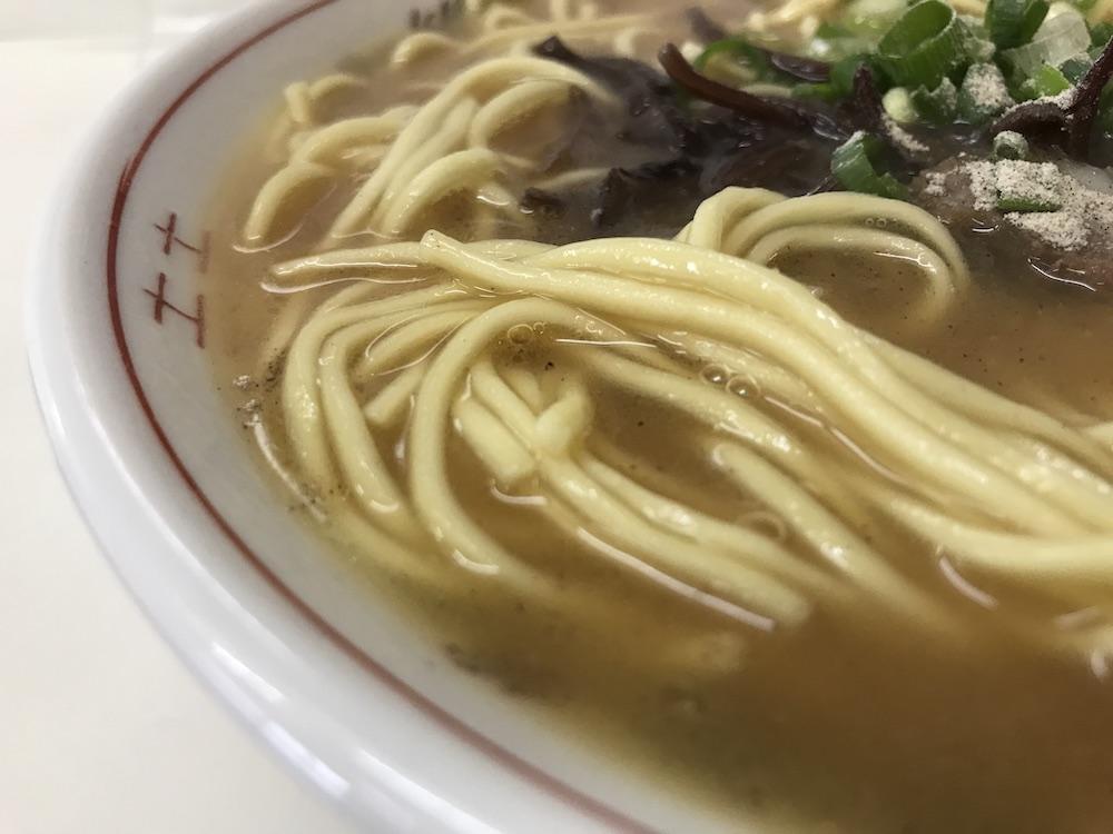 はちばん食堂 ラーメン 麺
