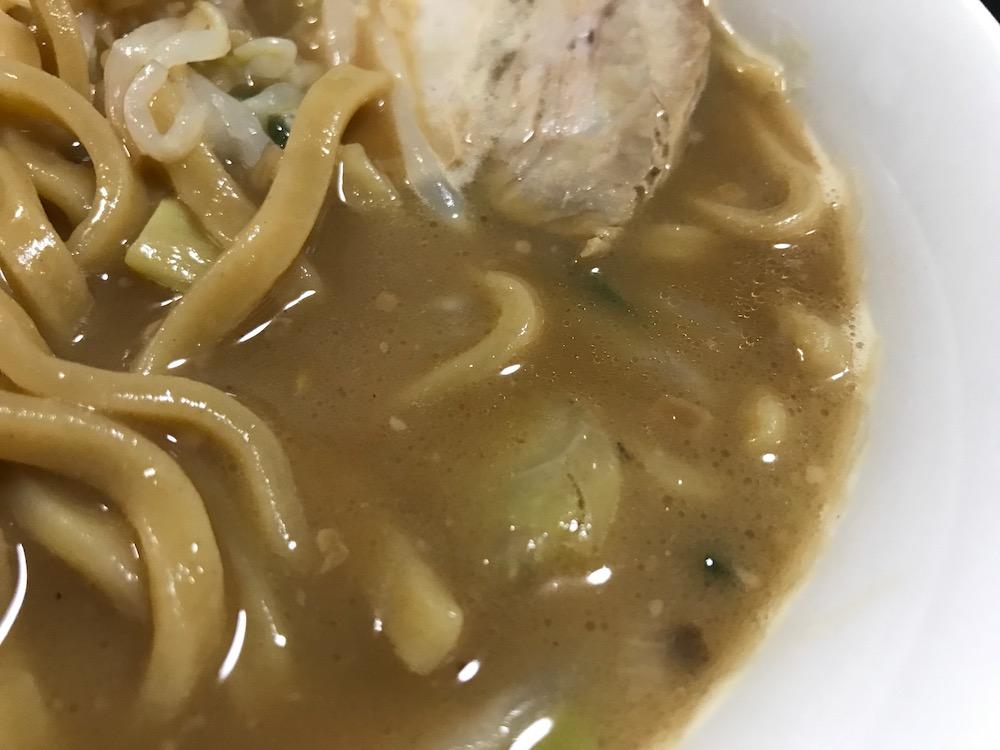 日清食品冷凍 無鉄砲 豚そば スープ