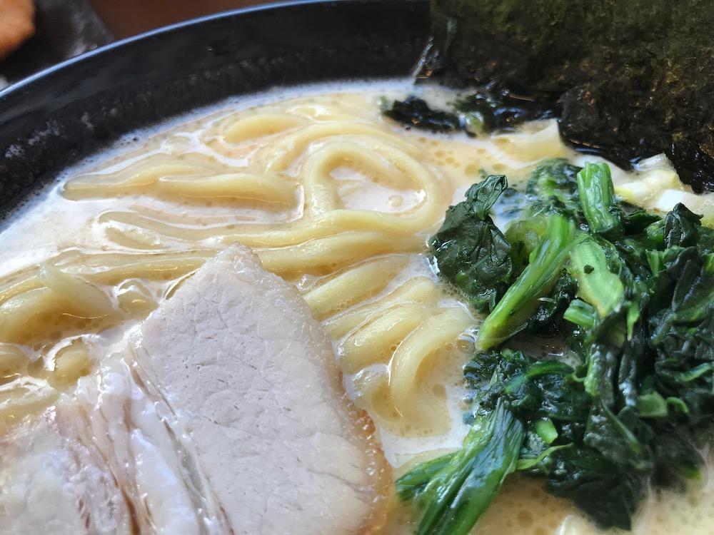 横浜家系龍馬家 大財店 麺