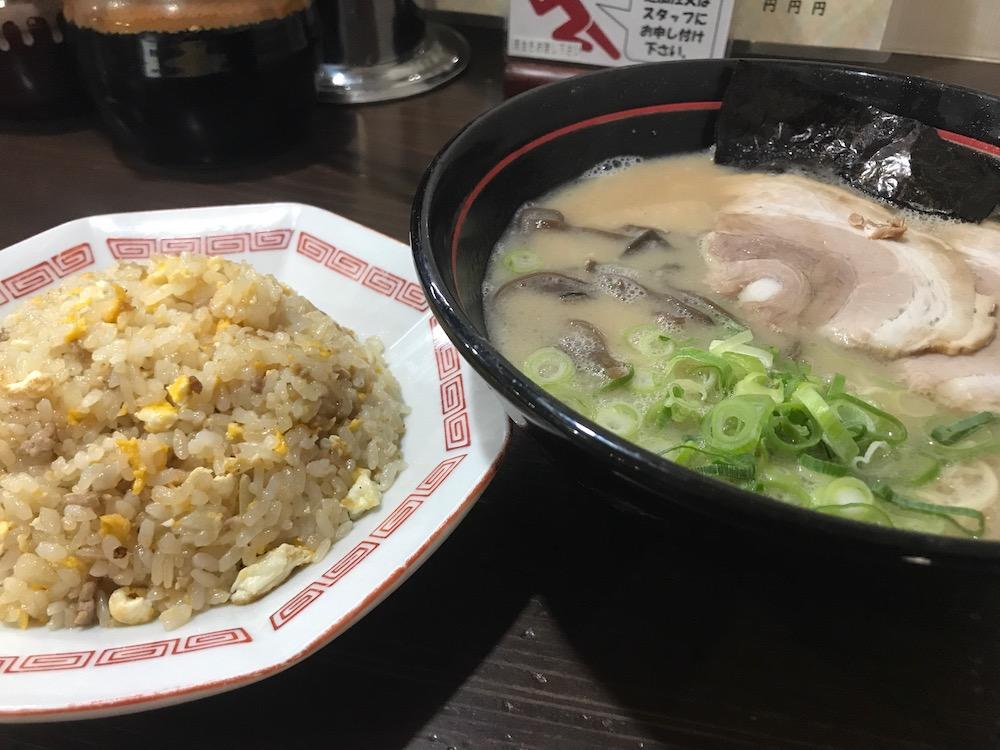 久留米らーめん金ちゃん チャーハン定食850円