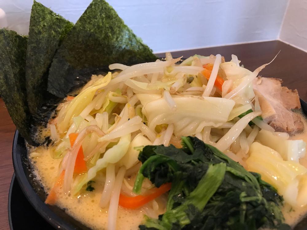 横浜家系ラーメン龍馬家大財店 野菜ラーメン