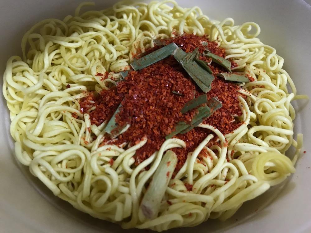 明星辛麺屋輪監修宮崎辛麺25辛 唐辛子の山