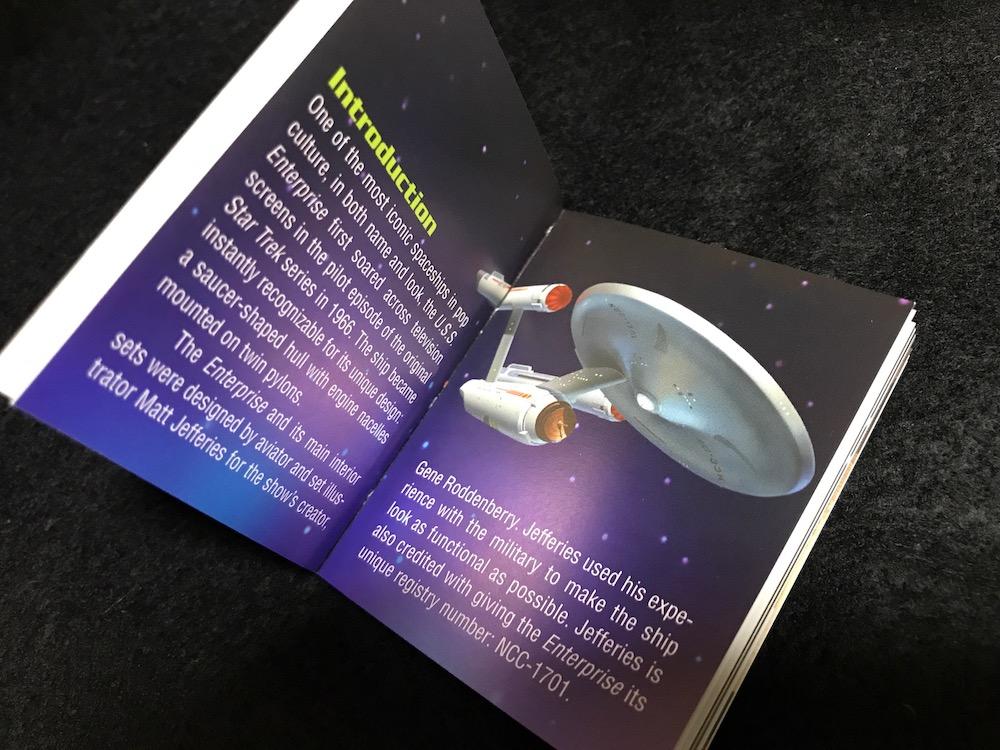 Star Trek: Light-Up Starship Enterprise paperback