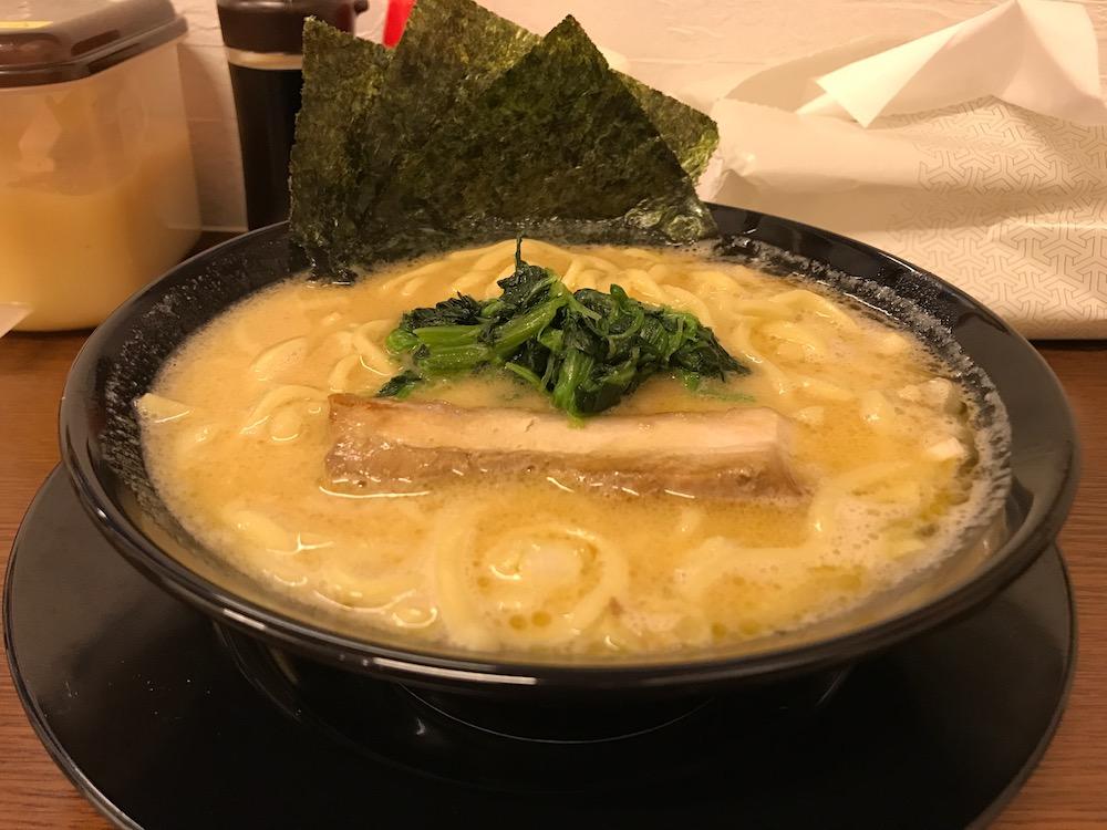 龍馬家大財店 ラーメン 中太麺 普通