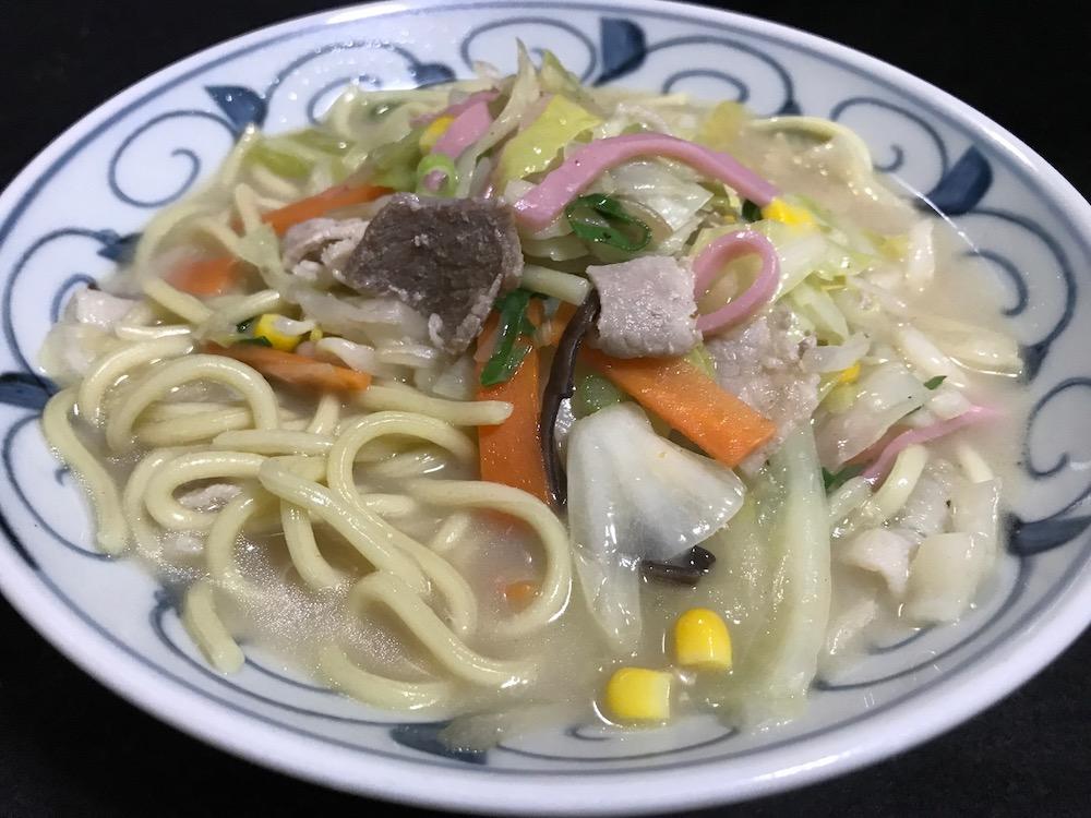 1/2日分の野菜コク旨ちゃんぽん 鍋で調理