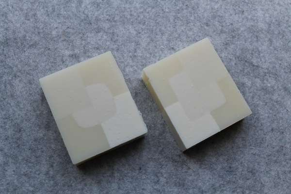 201604白の型入れ石けん(White Design Mold Soap)
