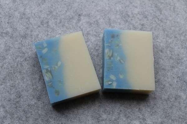 201605ブルーinコンフェッティ石けん(In Confetti Layer Soap)