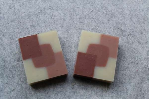 201605ローズクレイの型入れ石けん(Rose Clay White Design Mold Soap)