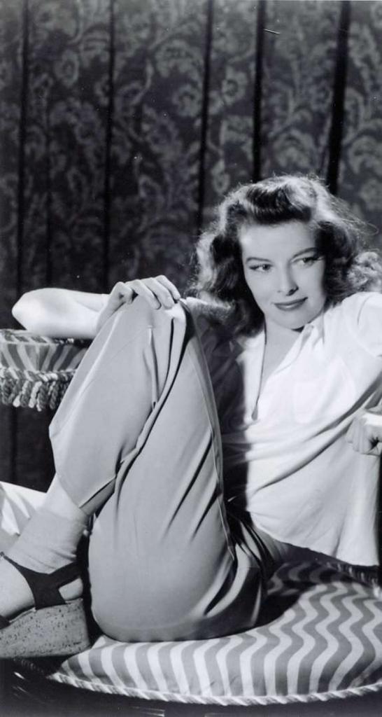 Katharine Houghton Hepburn9:plain