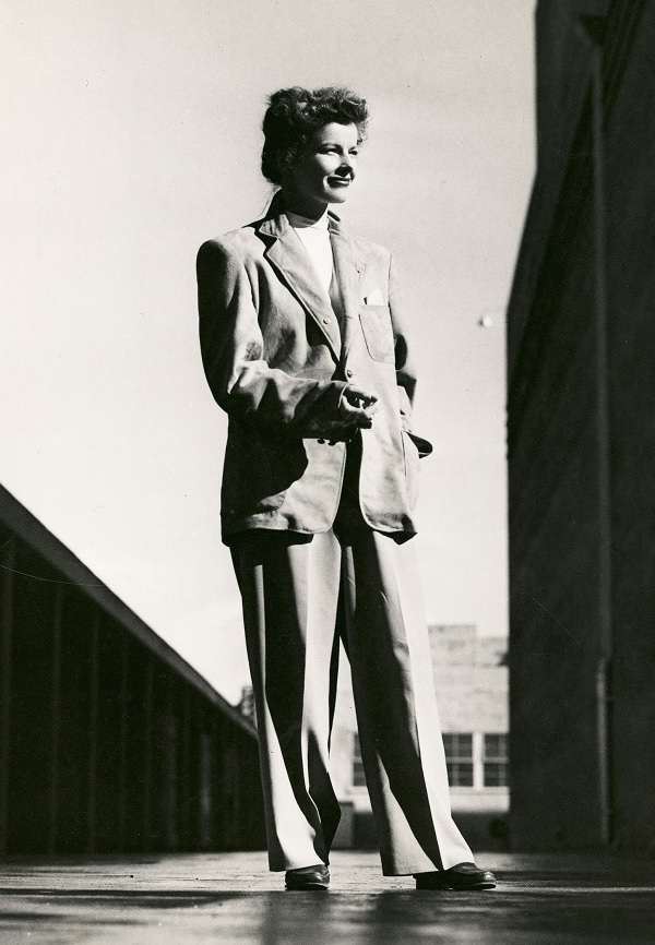 Katharine Houghton Hepburn10:plain
