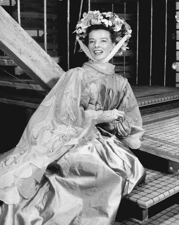 Katharine Houghton Hepburn22:plain