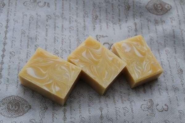 201606黄色のマーブル石けん(Marble Soap)