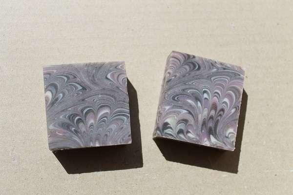 201609紫のピーコック石けん(Peacock Swirl Soap)