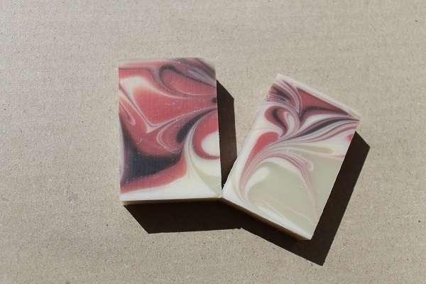 201609赤・黒・白のスピンスワール石けん(Spin Swirl Soap)