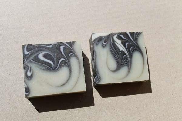 201609藍のスピンスワール石けん(Spin Swirl Soap)