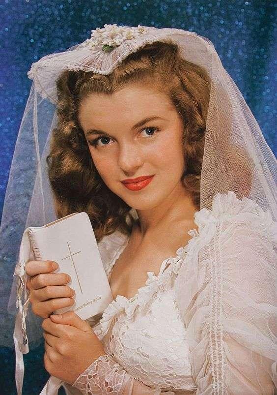 Marilyn Monroe9:plain
