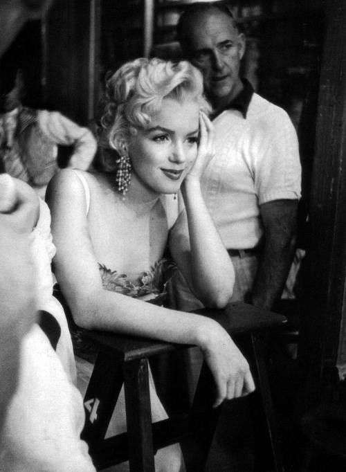marilyn monroe There's No Business Like Show Business4:plain