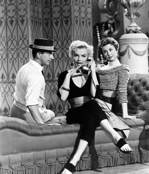 marilyn monroe There's No Business Like Show Business2:plain