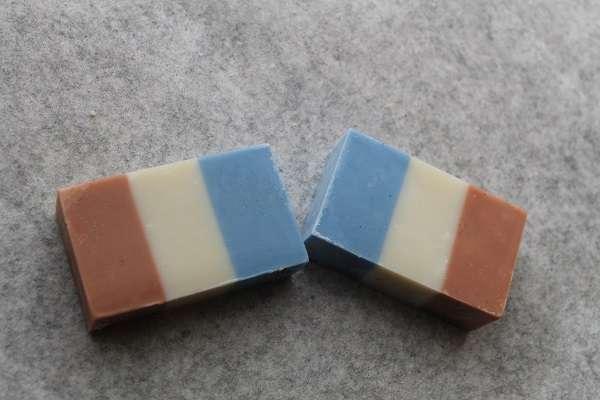 20161222トリコロール石けん(Tricolor Color Soap)