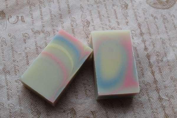 20170708波紋と流紋の石けん(Layered Soap)