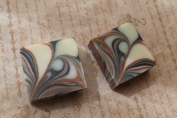 20170823レッドクレイと竹炭のマーブル石けん(Marble Soap in Red Clay&bamboo charcoal)