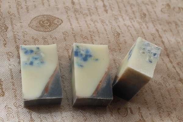 20170827青・ブラウン・藍のリクレイム&コンフェッティ石けん(Reclaim soap Confetti Soap)