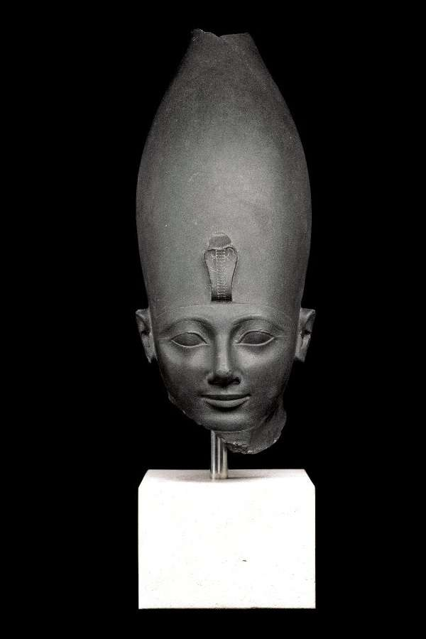 British Museum トトメス3世像 Green siltstone head of Thutmosis III