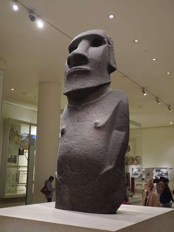 British Museum イースター島のモアイ像 Easter Island Moai