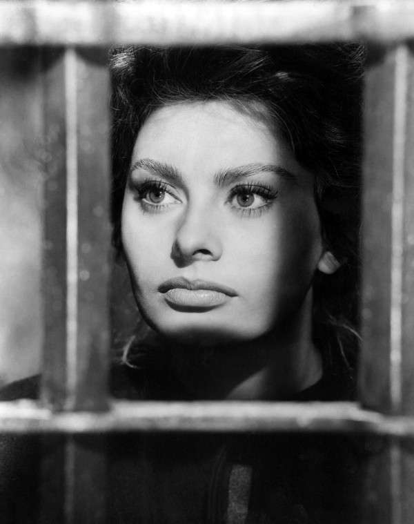 Sophia-Loren90