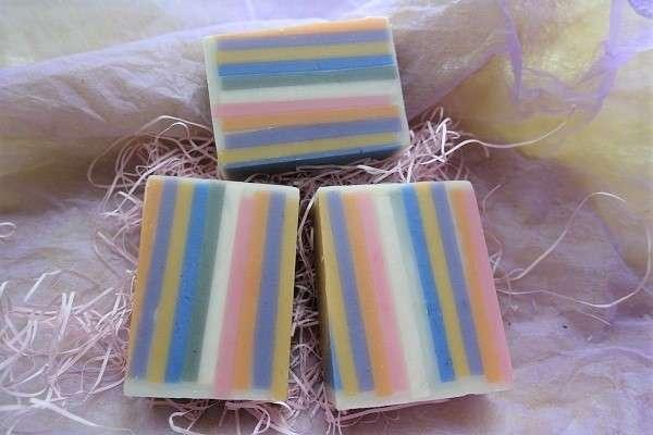 multicolor-stripe-soap20180823