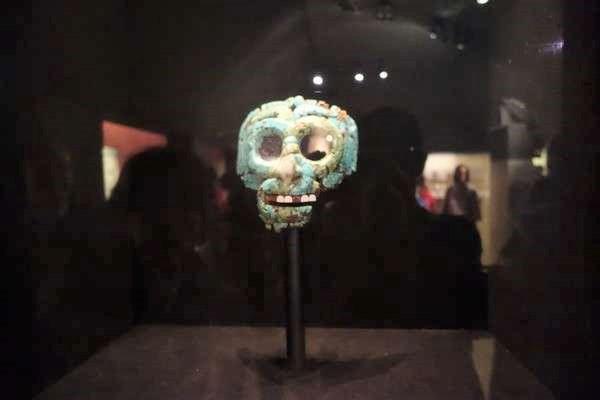アステカのトルコ石の仮面